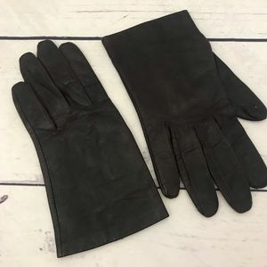 Dark Brown Leather pair of size 7.5 Gloves By Aris